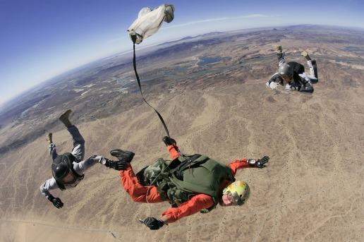 skydive-79548_1280